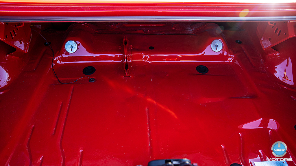1970-Plymouth-Cuda-440-6-barrels-25