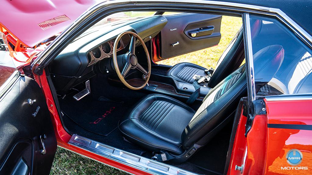 1970-Plymouth-Cuda-440-6-barrels-33