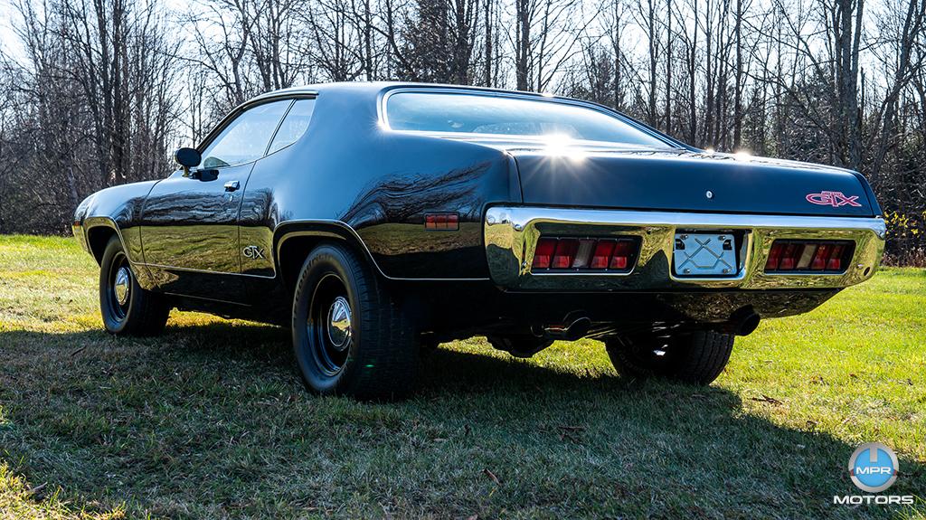 1971-Plymouth-GTX-440-6-barrels-19