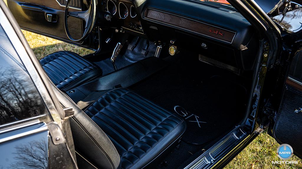 1971-Plymouth-GTX-440-6-barrels-8