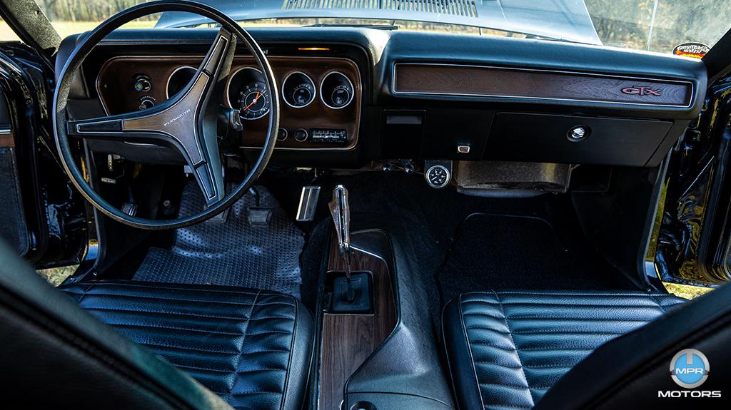 1971-Plymouth-GTX-440-6-barrels-9